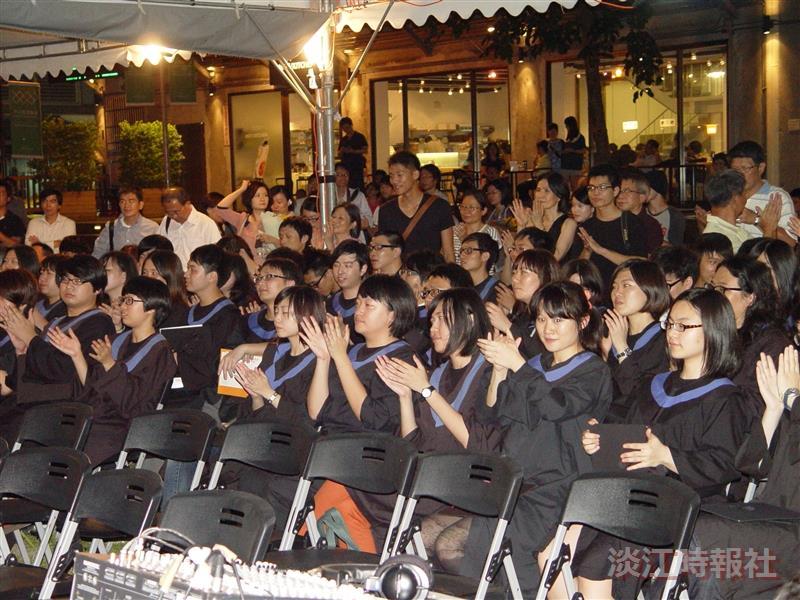 建築系舉辦畢業典禮及畢業展覽