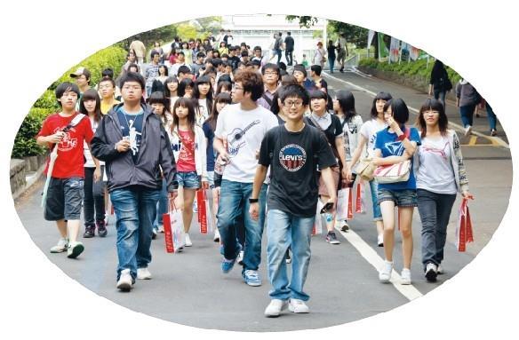 高中頻來訪 大學生活初體驗