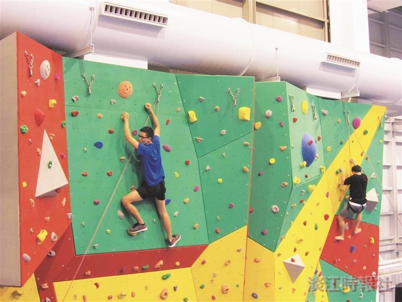 行動讀書樂 放膽挑戰攀岩