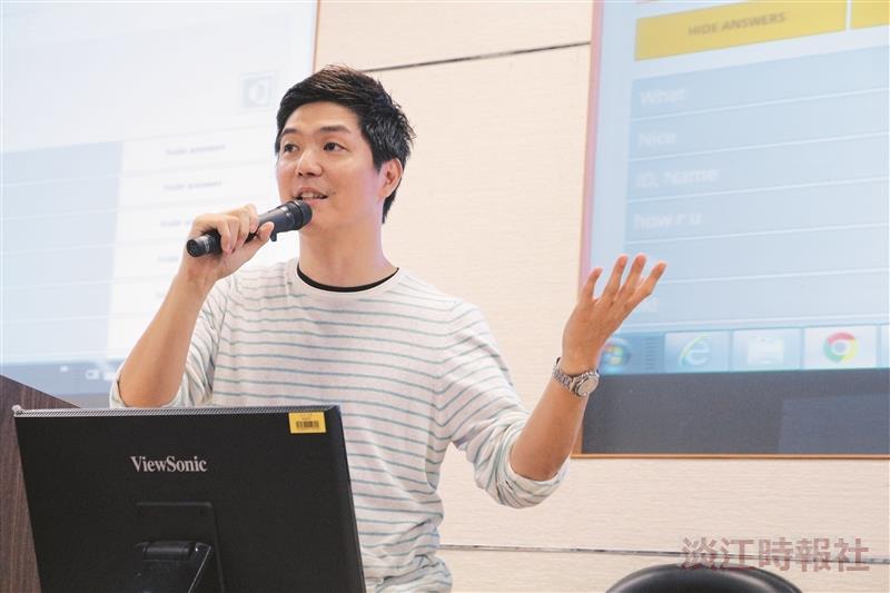 張瑋倫以手機做教學互動媒介