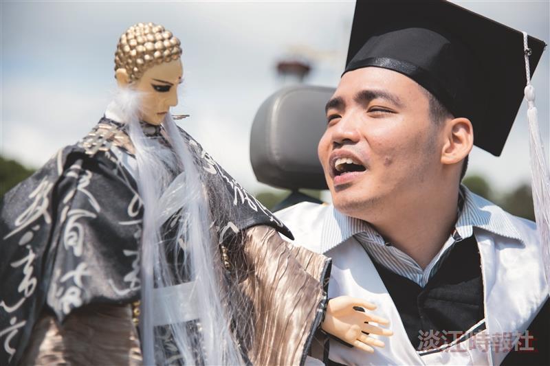 【畢業快樂有品感言】尊重生命 歷史碩四呂昆彥