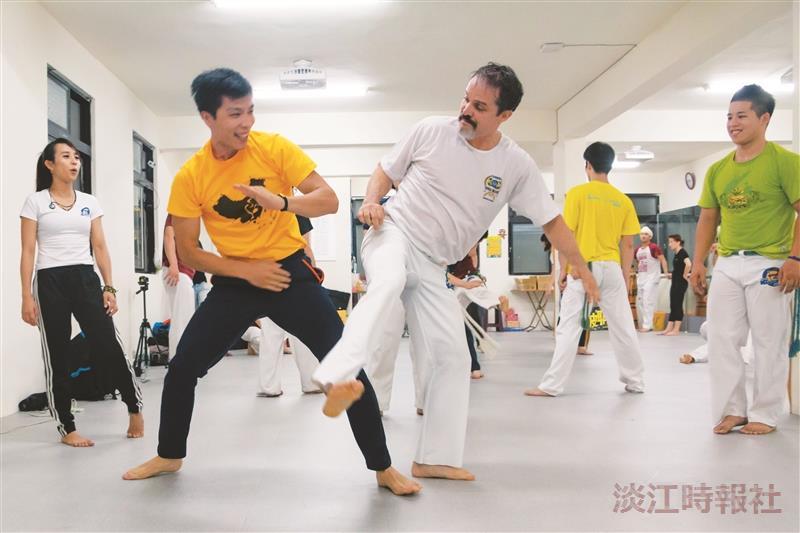 卡波耶拉社邀宗師 工坊傳授巴西戰舞