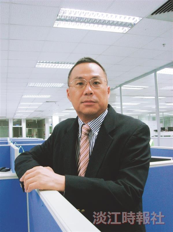 鴻海科技集團副總裁暨事業群總經理簡宜彬