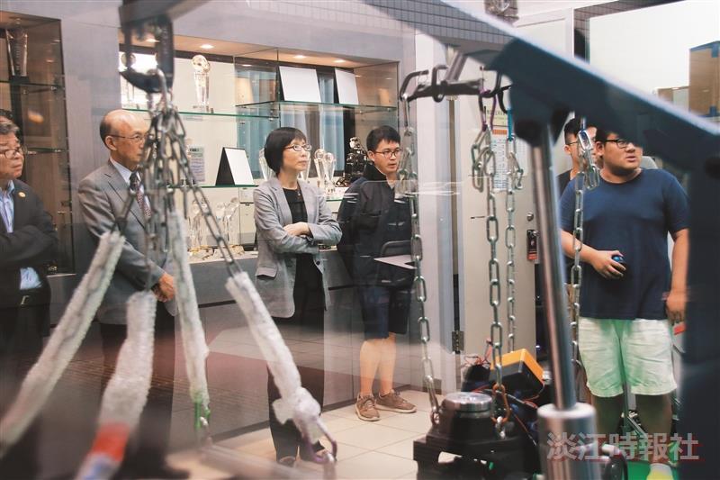東元電機董事長參訪機器人中心