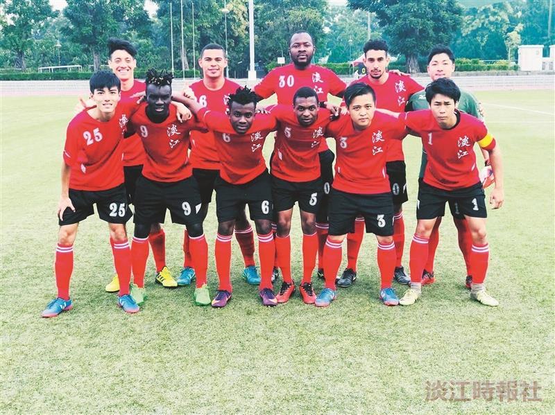 本校足球隊成功保級