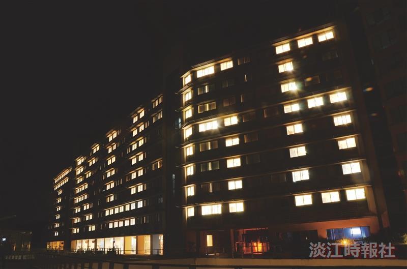 蘭陽校園燈峰照吉賀66校慶