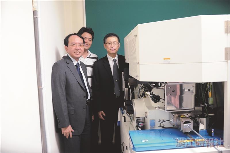 校友余維斌捐精密顯微鏡