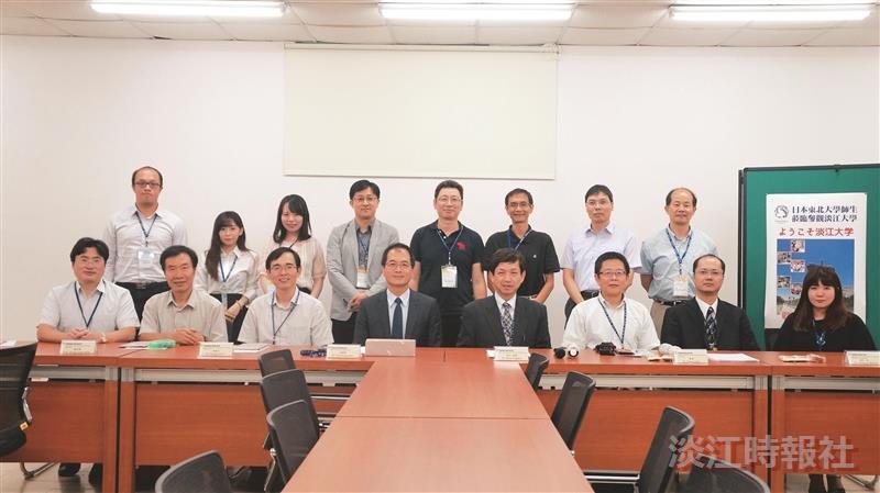 日東北大師生團參訪機器人