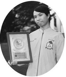 傑青獎得主電機四李青芳熱愛服務,並帶領康輔社獲得全國大專社評特優。(攝影�林奕宏)
