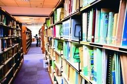 王宇平留戀不捨的圖書館。(圖�黃士航)