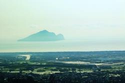來到林美山,龜山美景天天供你賞不完。