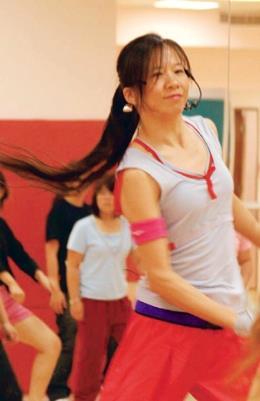 蔡忻林老師的有氧舞蹈課為最熱門的體育課之一。