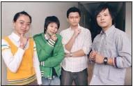 2007年保險文馨獎,本校共有5位同學及1位校友獲獎,上圖保險系獲獎同學由左至右分別為獲得冠軍的陳敏,及獲得佳作的謝慧齡、宋沂樺、成鋼。(圖�嘉翔)