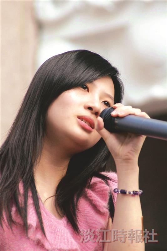 「卡拉卡拉生死鬥」歌唱大賽,冠軍資傳二趙心華深情演出。