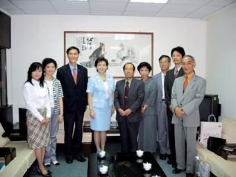 鹿兒島副校長 訪淡江 賞美景