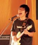 西語二盧廣仲在本校金韶獎比賽中發光發熱,音樂才華展露無遺。(圖�邱湘媛)