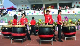 9.校慶活動在震撼人心的鼓聲中熱鬧開幕。