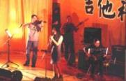 創作組第二名王慶凱與陳存威在創作曲「藍色白日夢」中,加入許多樂器,其音樂的豐富與清新的曲風,又讓他們再抱回最佳作曲獎。(攝影�張佳萱)