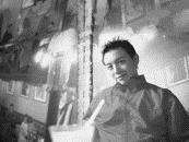 陳建志 英文系博士班畢業生   2001年獲洛克菲勒基金會之亞洲文化協會(ACC)獎助,赴紐約表演藝術。其文學創作自1996年屢獲大獎,包括兩屆中國時報小說獎,聯合文學中篇小說獎、聯合報散文獎、梁實秋散文獎與翻譯獎、華航文學獎、華人同志文學獎小說獎等。 多年來致力於推動新時代(New Age)運動。著有《天使的52個禮物》、《演好你的前世今生》、《看夢在說話》、《孵夢解夢高手》、譯有《回到你心中》等書。
