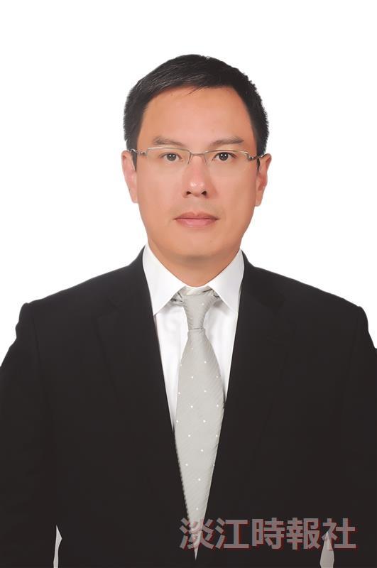 第33屆金鷹獎得主 台泥總經理 企管系校友李鐘培