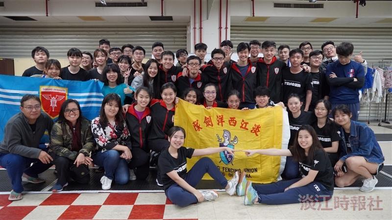 新加坡華僑中學擊劍隊來校與西洋劍社交流