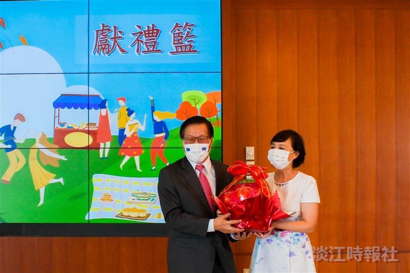 出席「淡江大學110年度女教職員聯誼會『美食視吃』教師節快閃活動」