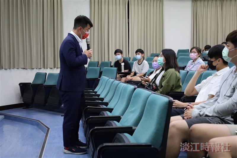 立委陳柏惟運用資訊背景 規劃斜槓人生