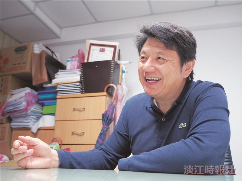 企管系副教授洪英正 關懷偏鄉服務20年不止息