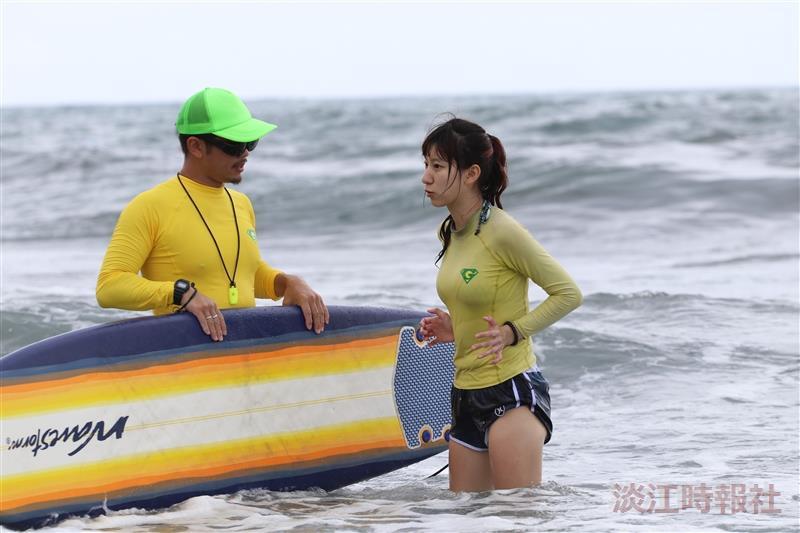 2018水上活動社夏日衝浪趣前往外澳雙獅海灘衝浪