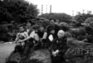 羅孝賢老師與家人。