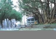 室外噴泉提供新的休憩景點及展演場地。(記者劉育孜攝)