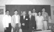 陳天文(左二)於系友會後與系友及老師們合影