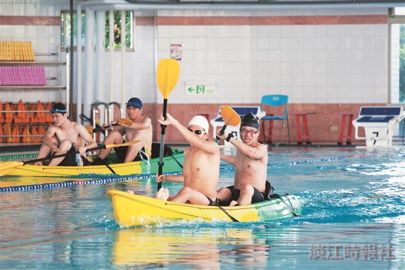 743名教職員生同場競技 挑戰水上運動會