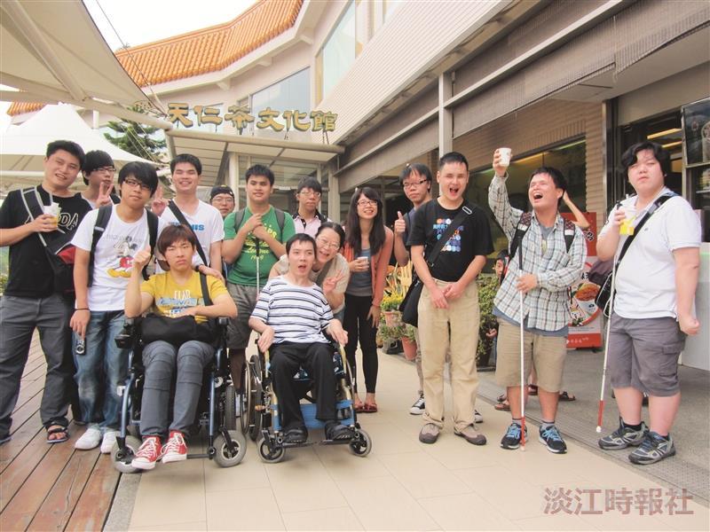 身心障礙生參訪茶文化館 體驗品茶香