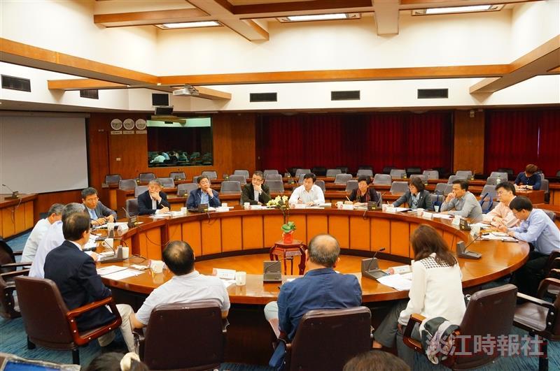 上海常委9人訪大陸所 文院赴山口大發表