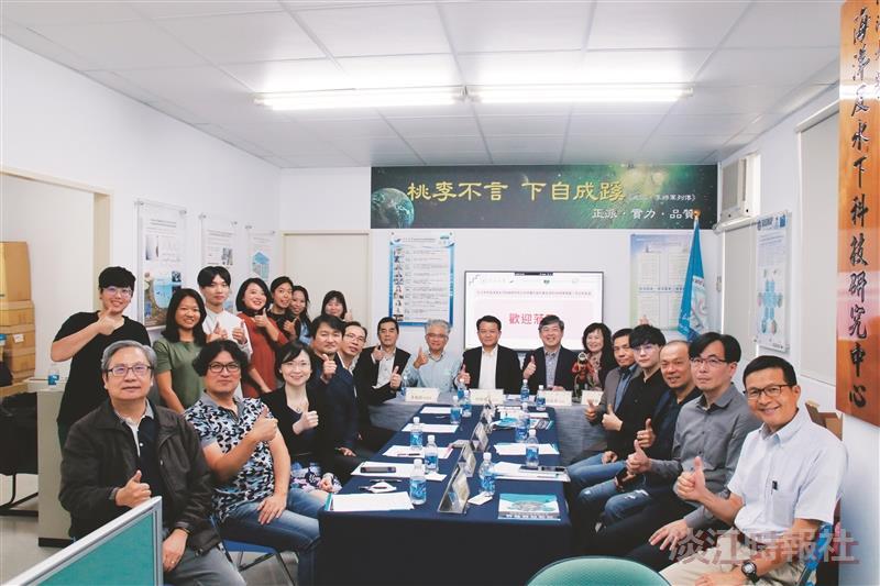 海下中心續簽產學MOU 強化團隊資源