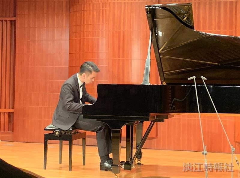淡江音樂博覽會「失聰者的聲音—盧易之的貝多芬鋼琴獨奏會」